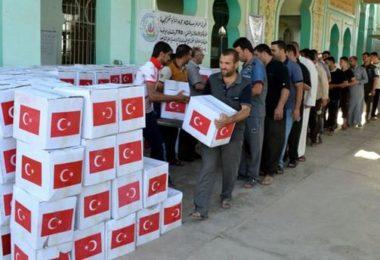 Başbakanlık Afet ve Acil Durum Yönetimi Başkanlığı (AFAD), Irak'ta çatışma mağduru 3 bin sığınmacı aileye insani yardımda bulundu. (Ali Mükerrem - Anadolu Ajansı)