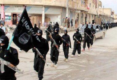 151118-isis-propaganda-victory-over-al-qaeda-yh-1115a_97488d8474eaebd0d68799081cbf89b6-nbcnews-fp-1200-800
