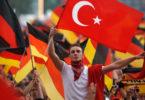 20130321_german-turks-with-flag_large