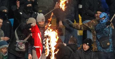 645x344-uefa-investigates-fan-violence-after-champions-league-match-between-besiktas-dynamo-kiev-1481200292740