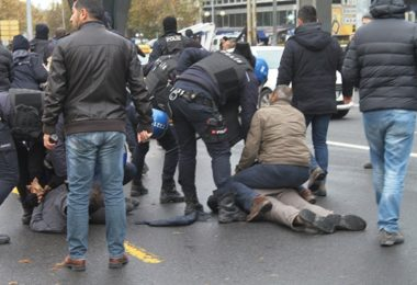 people-protesting-ministry-of-education-of-turkey-on-dorm-fire-taken-into-custody-216136-1
