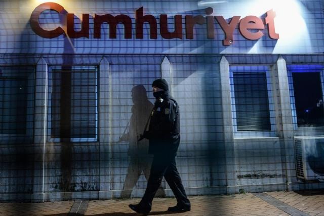 cumhuriyet-gazetesi-ne-polisten-charlie-hebdo-6865424_6875_m