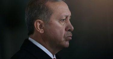 erdogan-meclis-baskani-nin-laiklik-cikisindan-sonra-yapilan-anketi-gorunce-kisisel-gorusudur-demis-132502-5