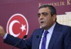 CHP Genel Baskan Yardimcisi ve Istanbul Milletvekili Sezgin Tanrikulu TBMM'de basin toplantisi duzenledi. 29 Eylul 2014 / Mustafa Kirazli